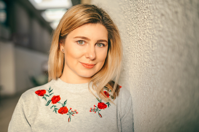Диктор, женский голос 2 - kwork.ru